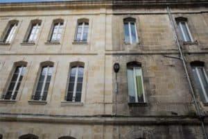 Nettoyage façade abîmée