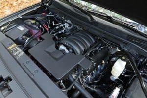Dégraissage moteur voiture
